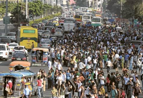 manila-traffic-panobamagblog-by-james-deakin